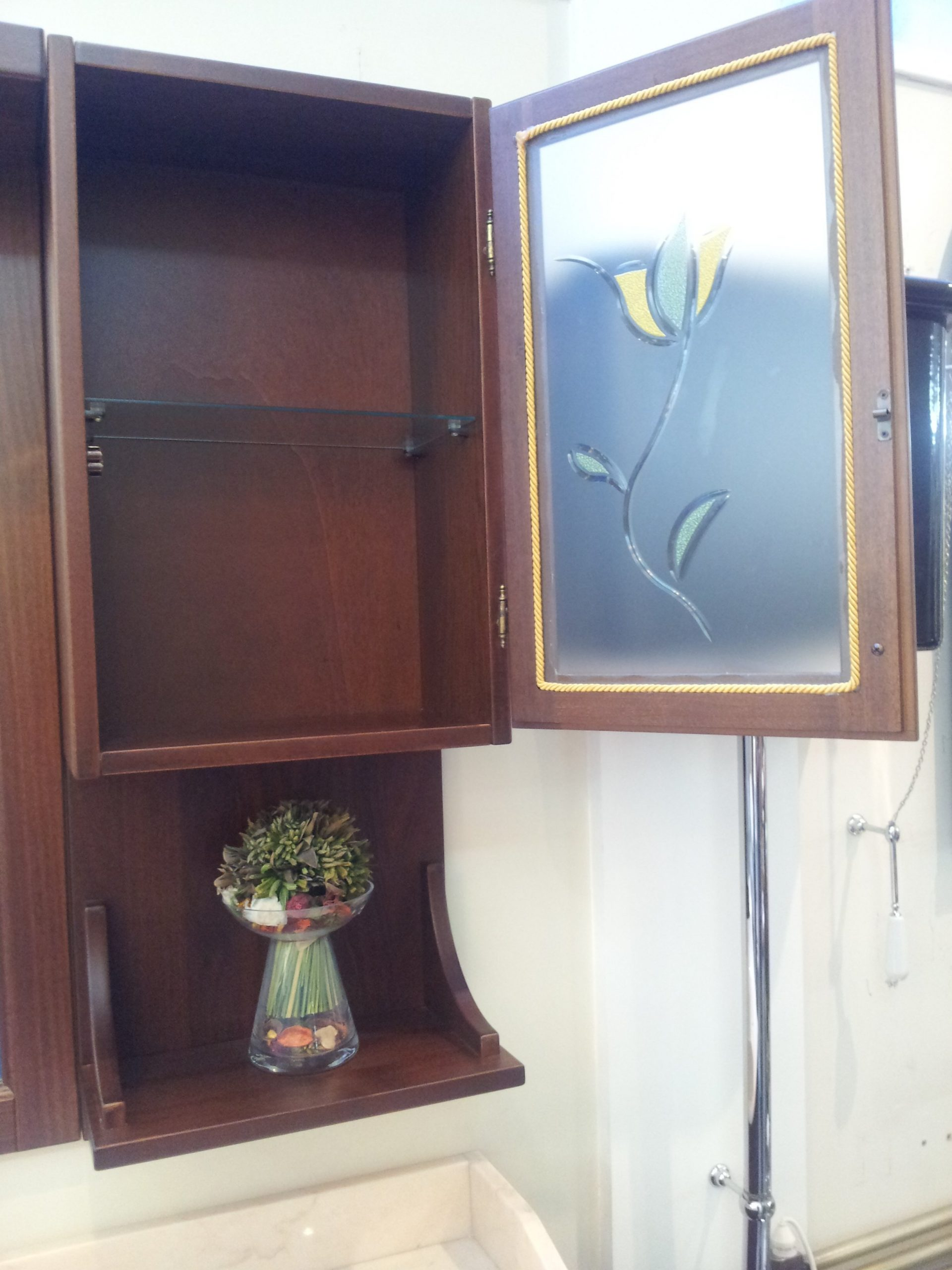 Комплект мебели фабрики Garofoli, модель KARUN. Массив дерева. Цвет - темный орех.
